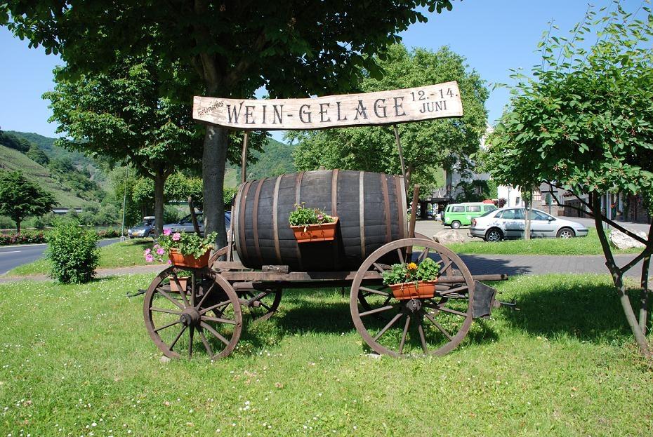 Wein Gelage Bruttig